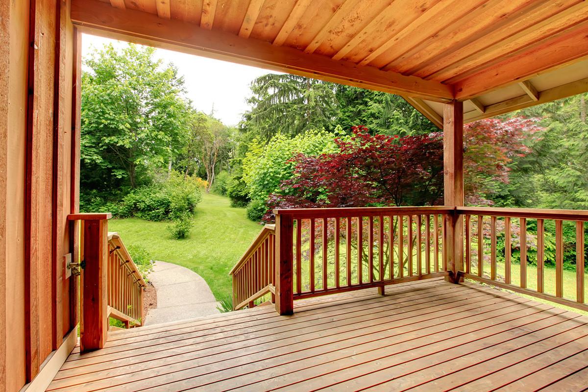 Paint A Deck  Best Deck Paint for Restore Your Old Wood Deck Buungi
