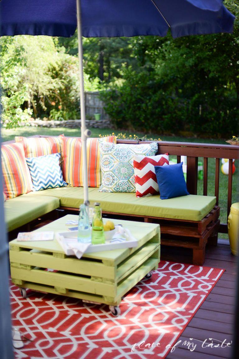 Pallet Backyard Furniture  Pallet Furniture Porch Makeover Place of My Taste