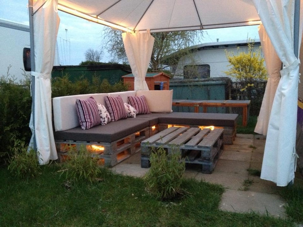 Pallet Backyard Furniture  39 outdoor pallet furniture ideas and DIY projects for patio