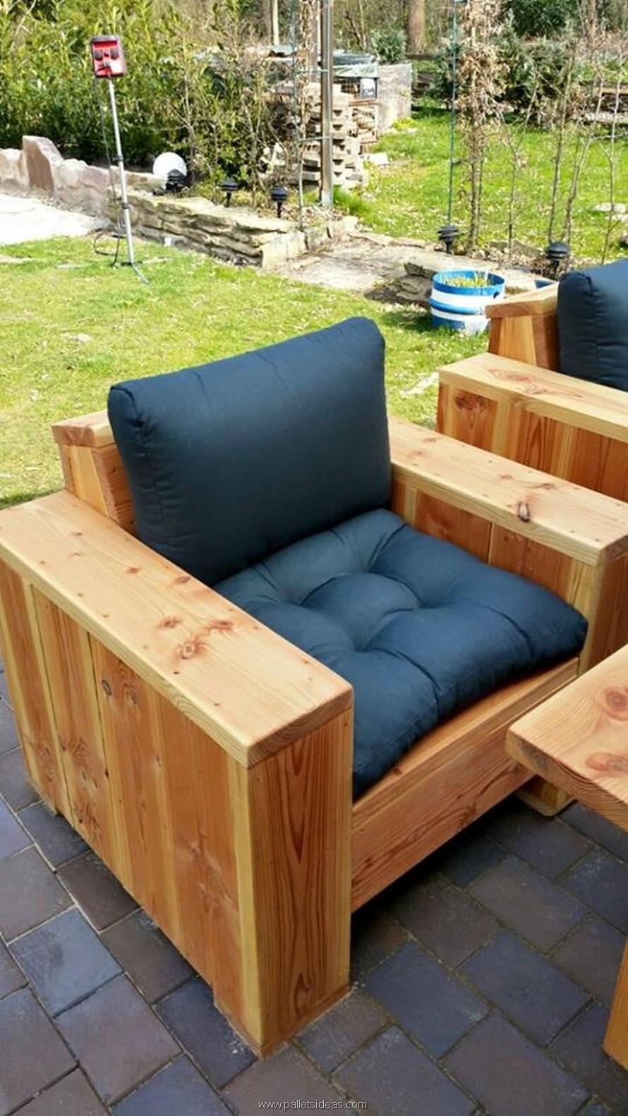 Pallet Backyard Furniture  Pallet Wood Outdoor Lounge Furniture