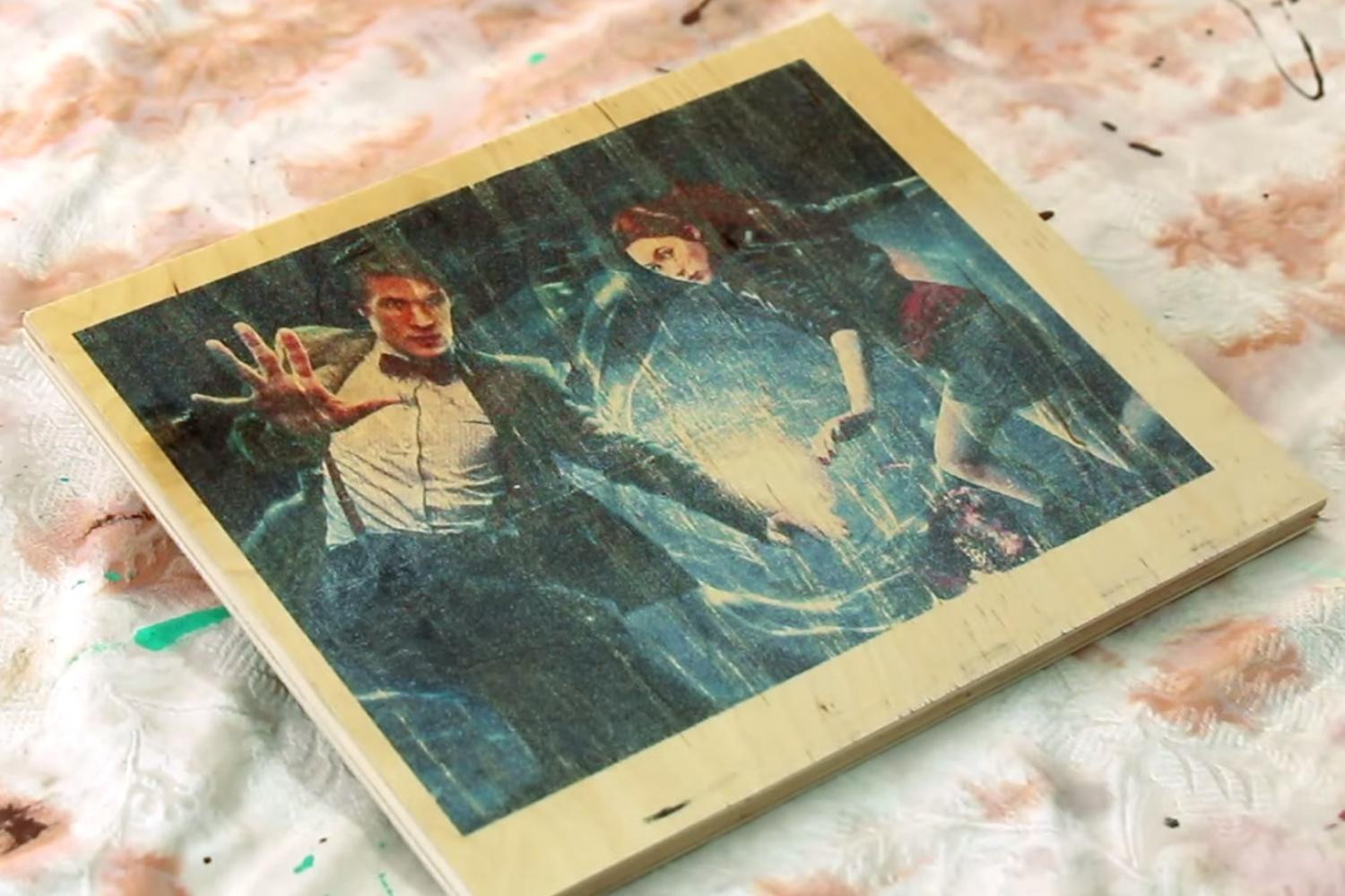 Prints On Wood DIY  DIY video shows you how to print on wood with an inkjet