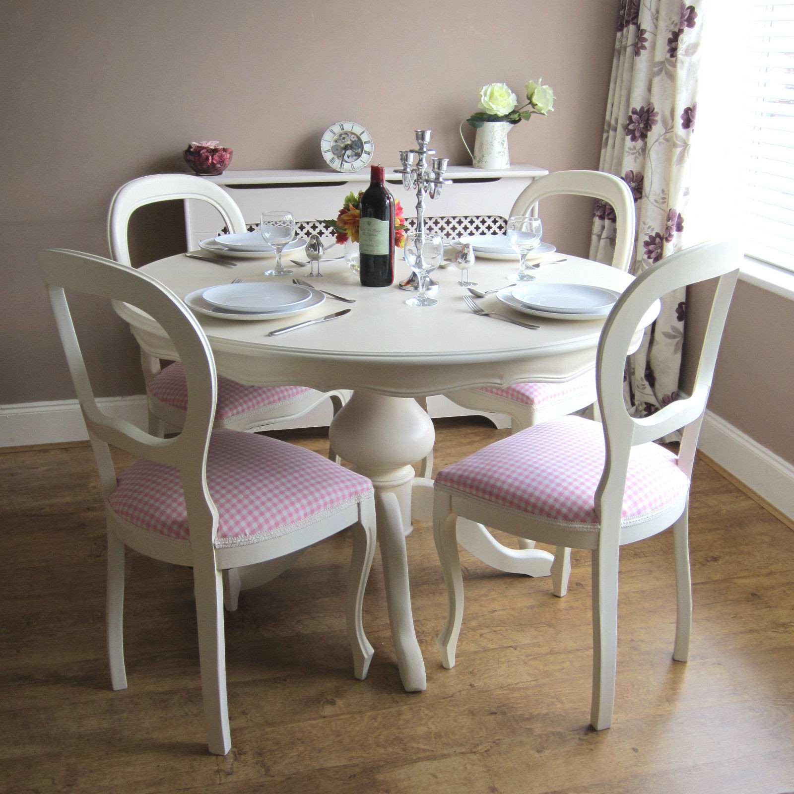Round White Kitchen Table Sets  Beautiful White Round Kitchen Table and Chairs – HomesFeed