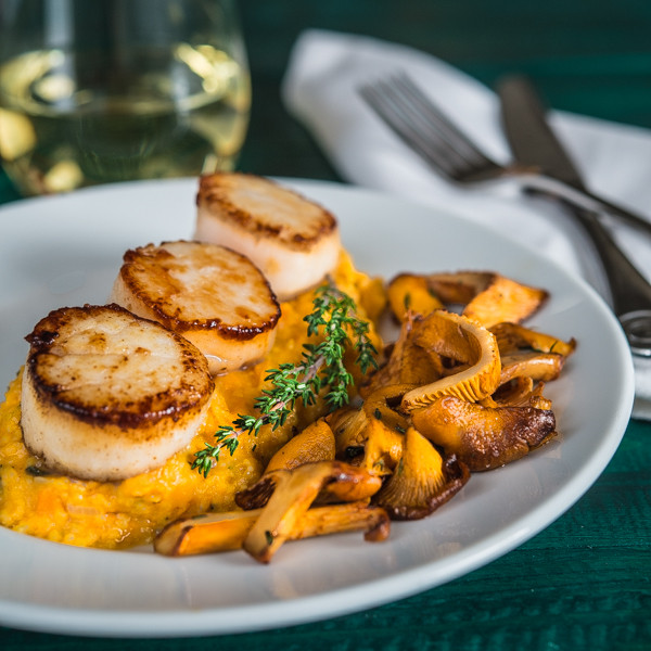 Scallops Side Dishes  pan sauteed scallops