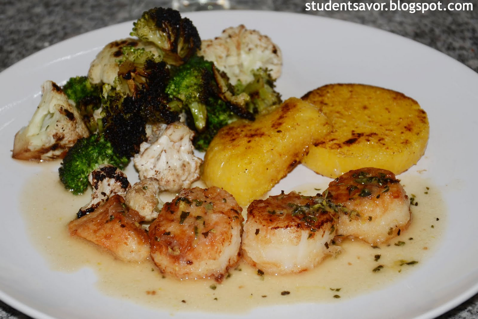 Scallops Side Dishes  STUDENT SAVOR Scallops with Butter & Wine Sauce