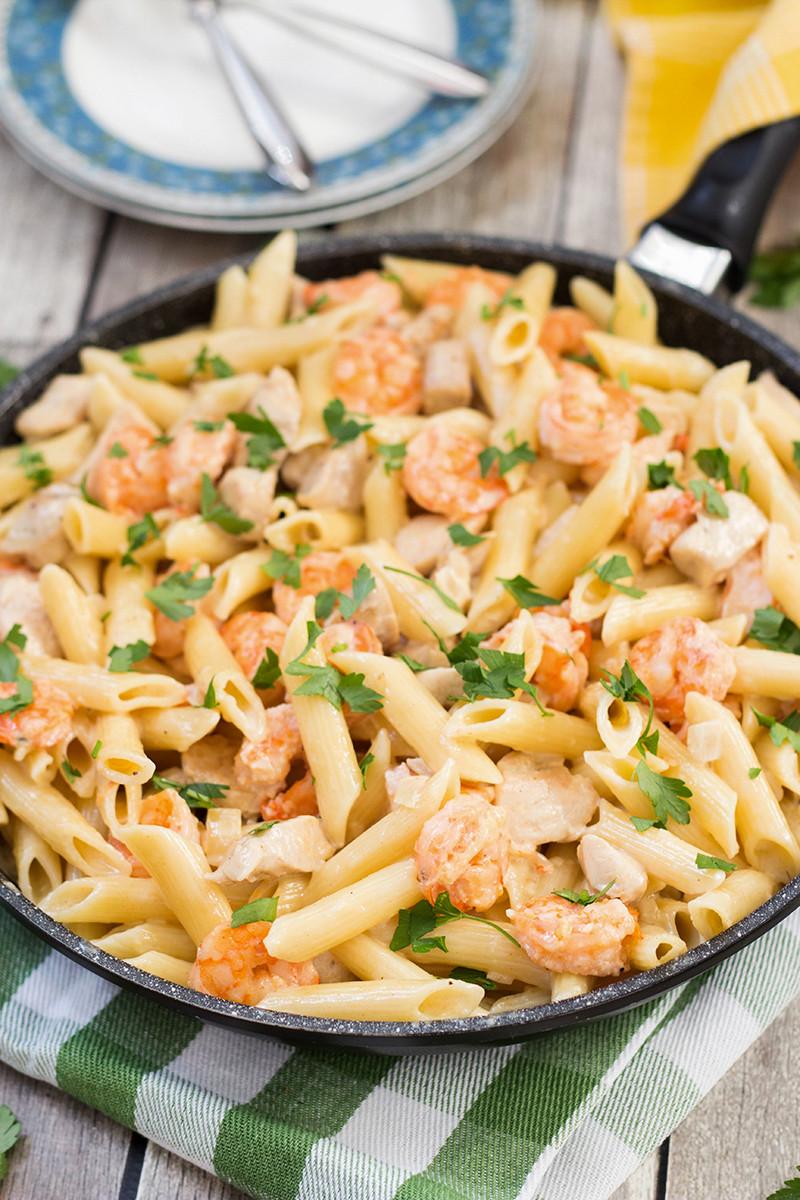 Shrimp Spaghetti Alfredo  The Best Chicken and Shrimp Alfredo Pasta Recipe