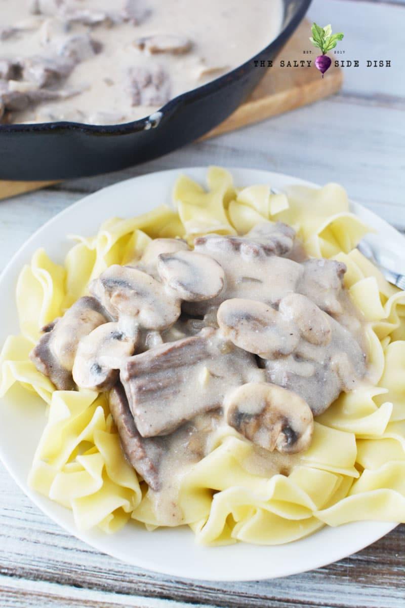 Side Dish For Beef Stroganoff  Easy Beef Stroganoff with Mushroom