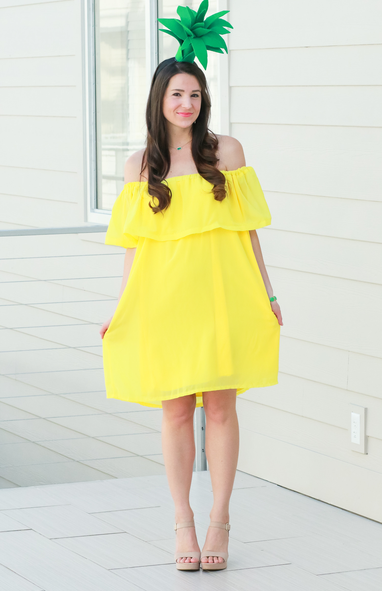Simple DIY Halloween Costumes For Adults  DIY Pineapple Costume That Costs Less Than $3 to Make