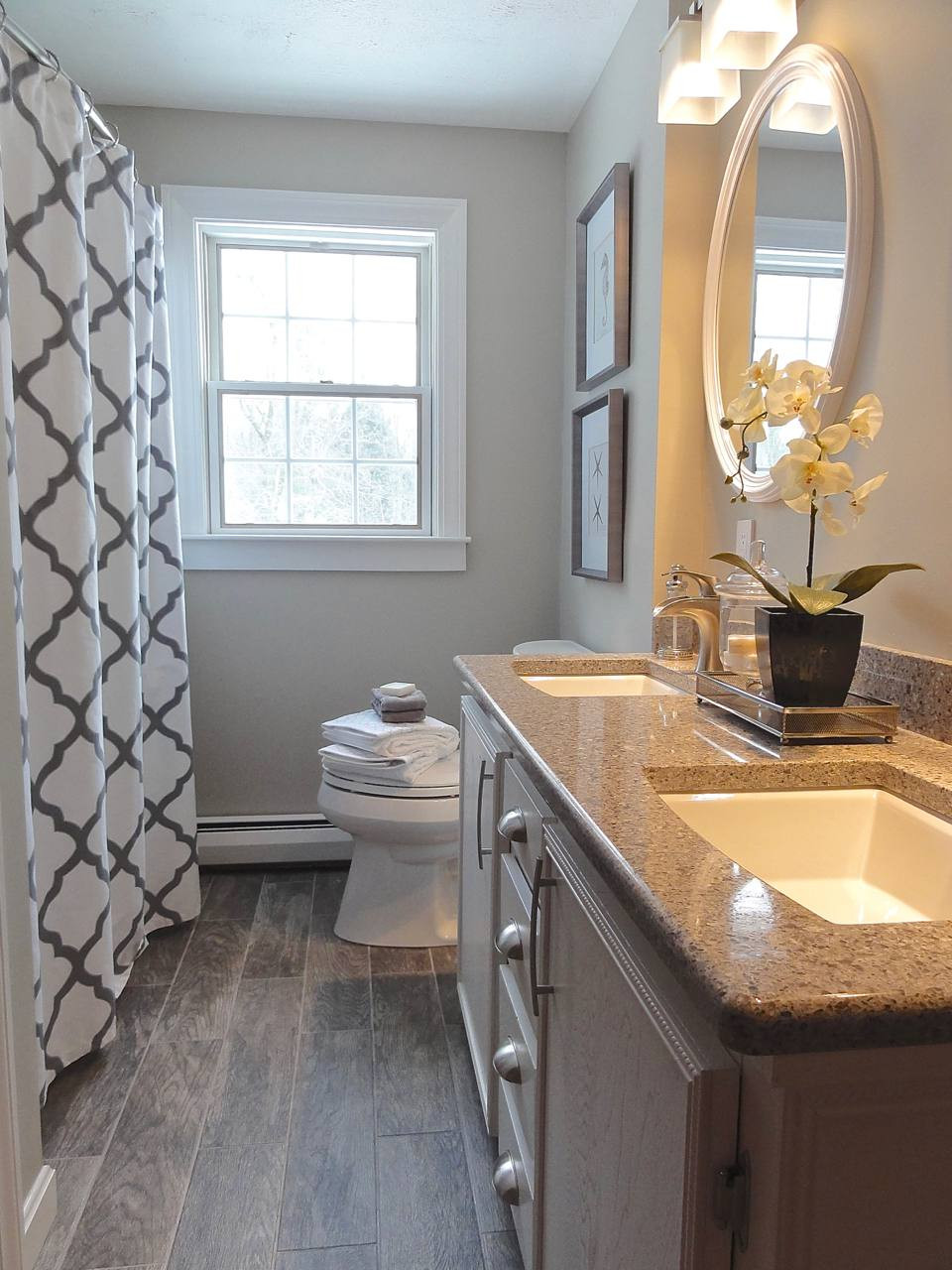 Small Bathroom Paint Colors  The Best Paint Colors for Small Space Decorating