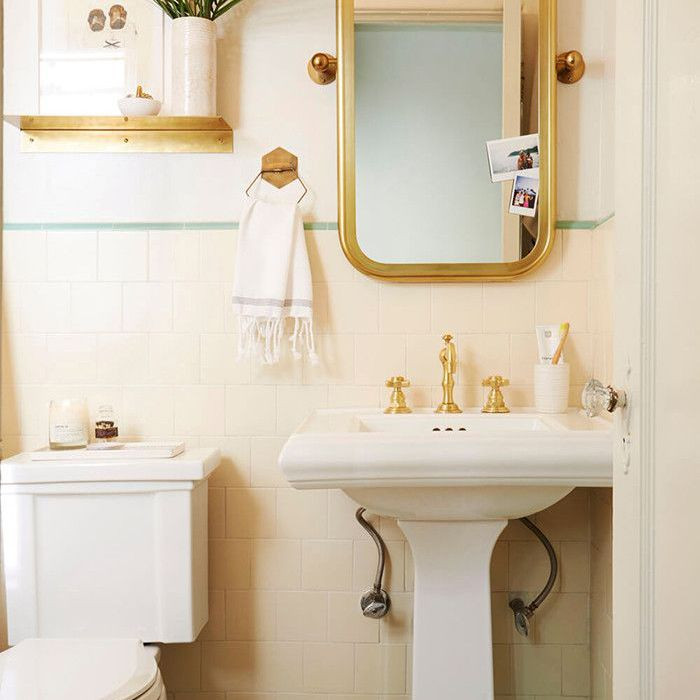 Small Bathroom Paint Colors  The 7 Best Small Bathroom Paint Colors