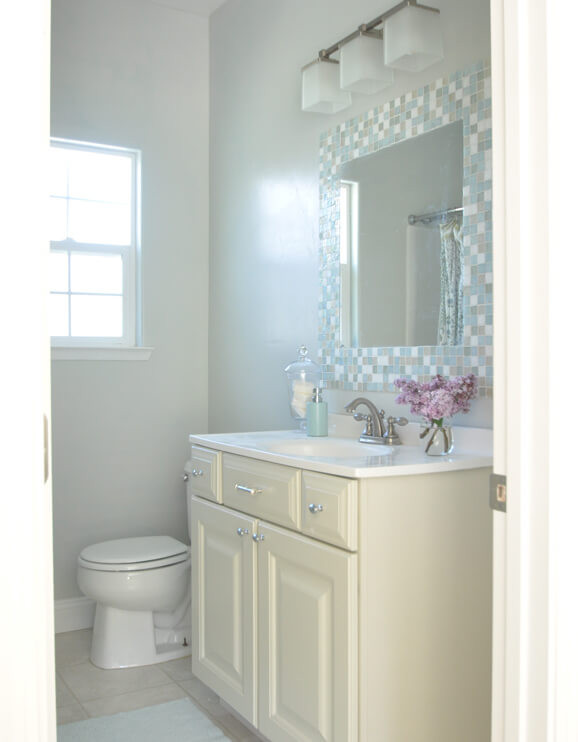 Small Bathroom Paint Colors  Best Colors to Use in a Small Bathroom Home Decorating