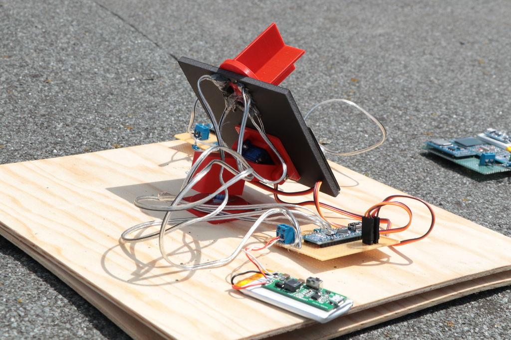 Solar Tracker DIY  DIY Miniature Solar Tracker 5 Steps with