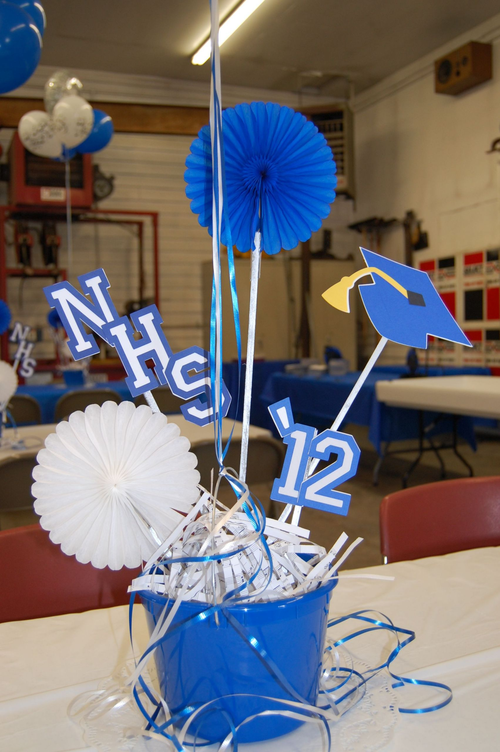 Table Decorations For Graduation Party Ideas  Easy centerpieces Grad time will be here soon