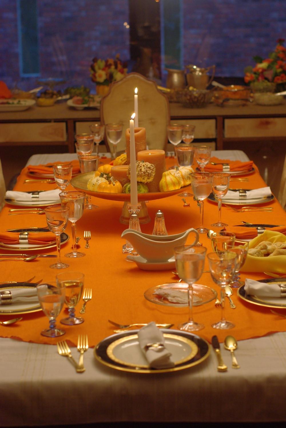 Thanksgiving Dinner Table Decorations  5 Harvest Themed Thanksgiving Tables