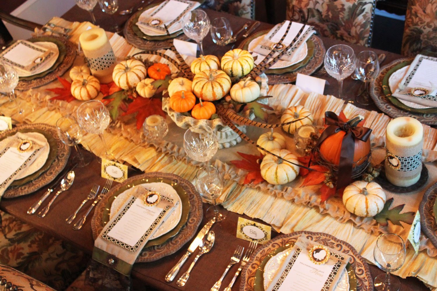 Thanksgiving Dinner Table Decorations  A feast for the eyes Thanksgiving dinner table decorations