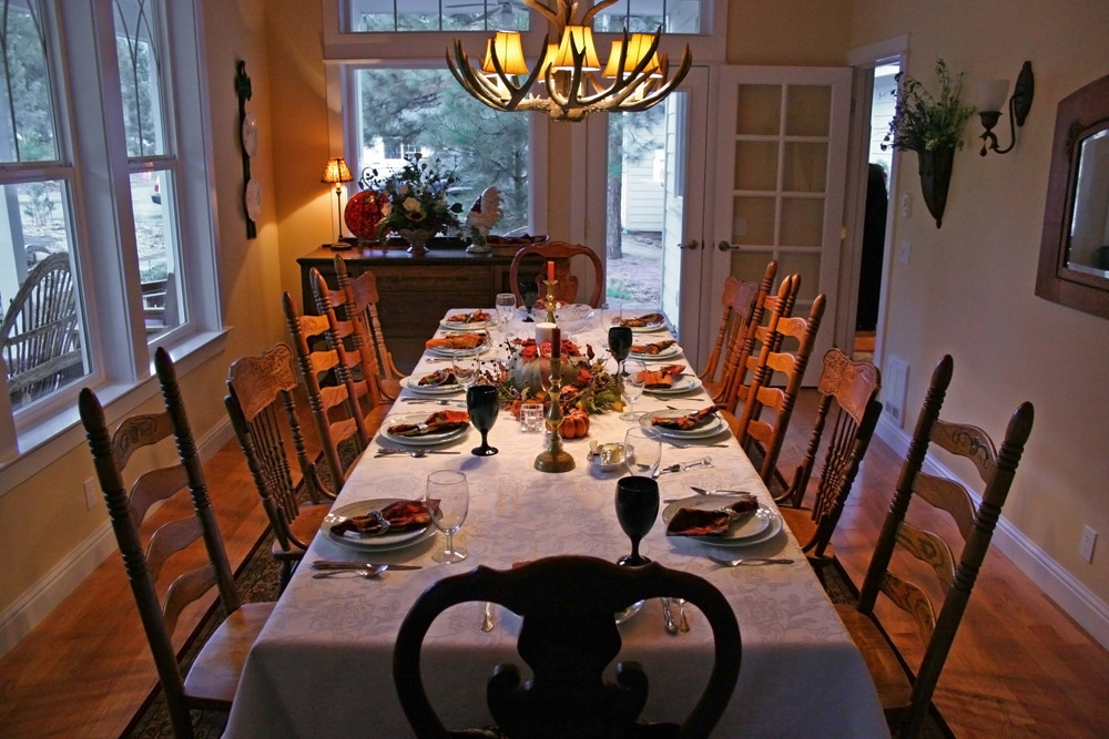 Thanksgiving Dinner Table Decorations  The Best DIY Thanksgiving Table Decorations