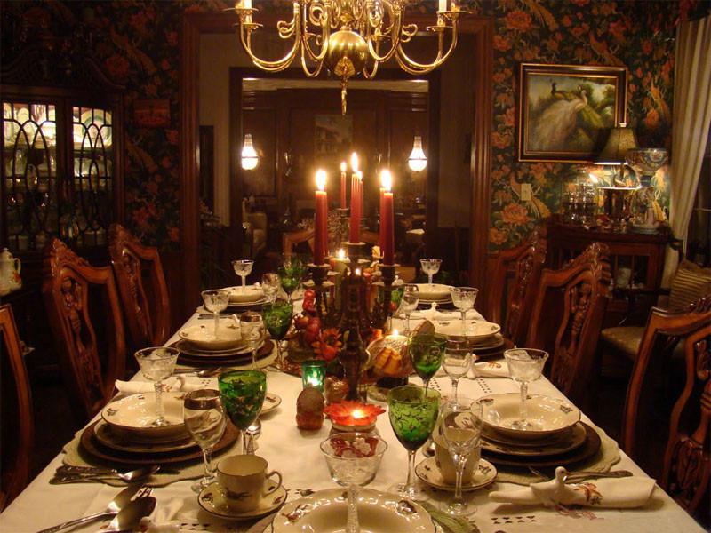 Thanksgiving Dinner Table Decorations  crazy frankenstein Suzy q better decorating bible blog