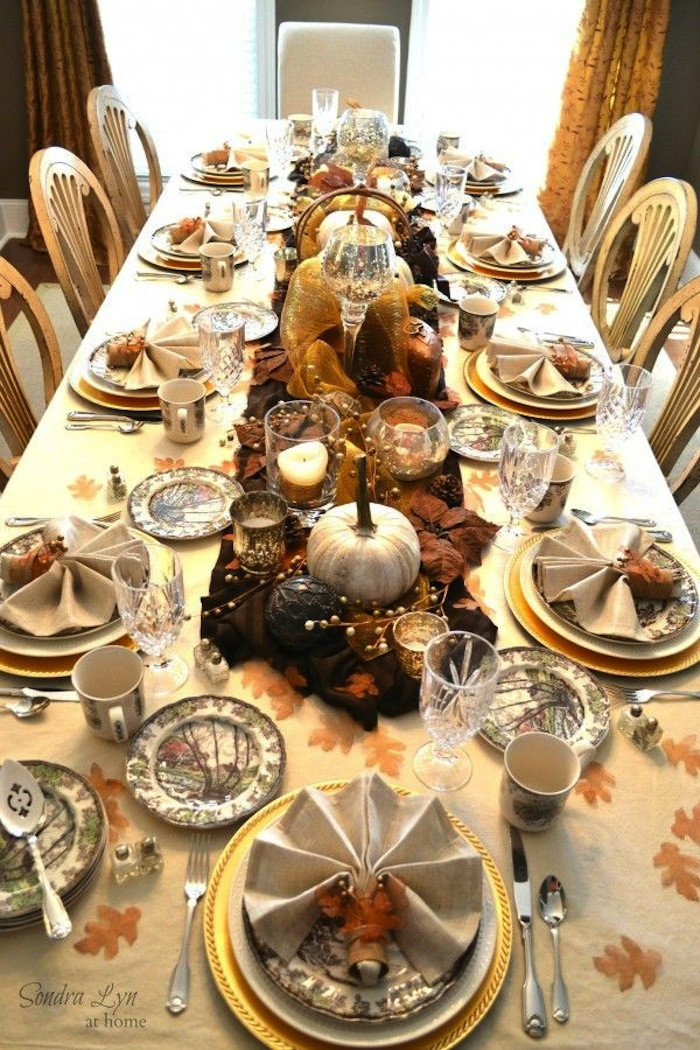 Thanksgiving Dinner Table Decorations  20 Thanksgiving Dining Table Setting Ideas