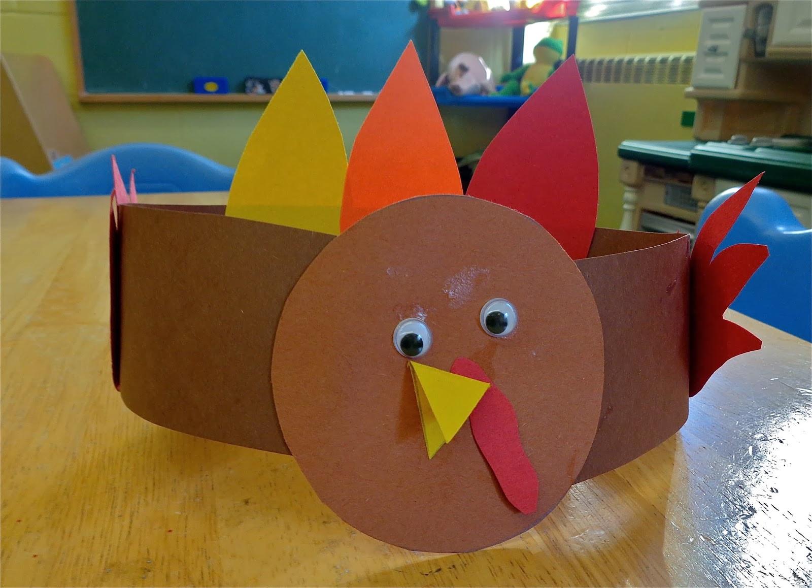 Thanksgiving Turkey Craft  Terrific Preschool Years Thanksgiving placemats
