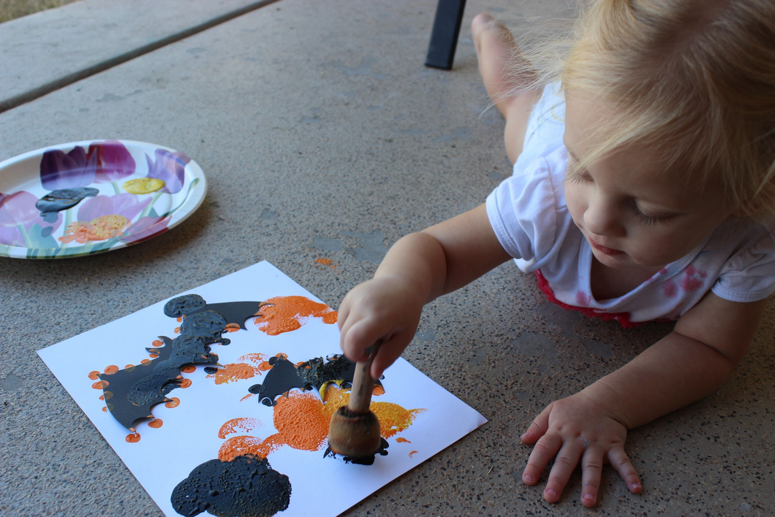Toddler Craft Project  Messy Toddler Halloween Crafts
