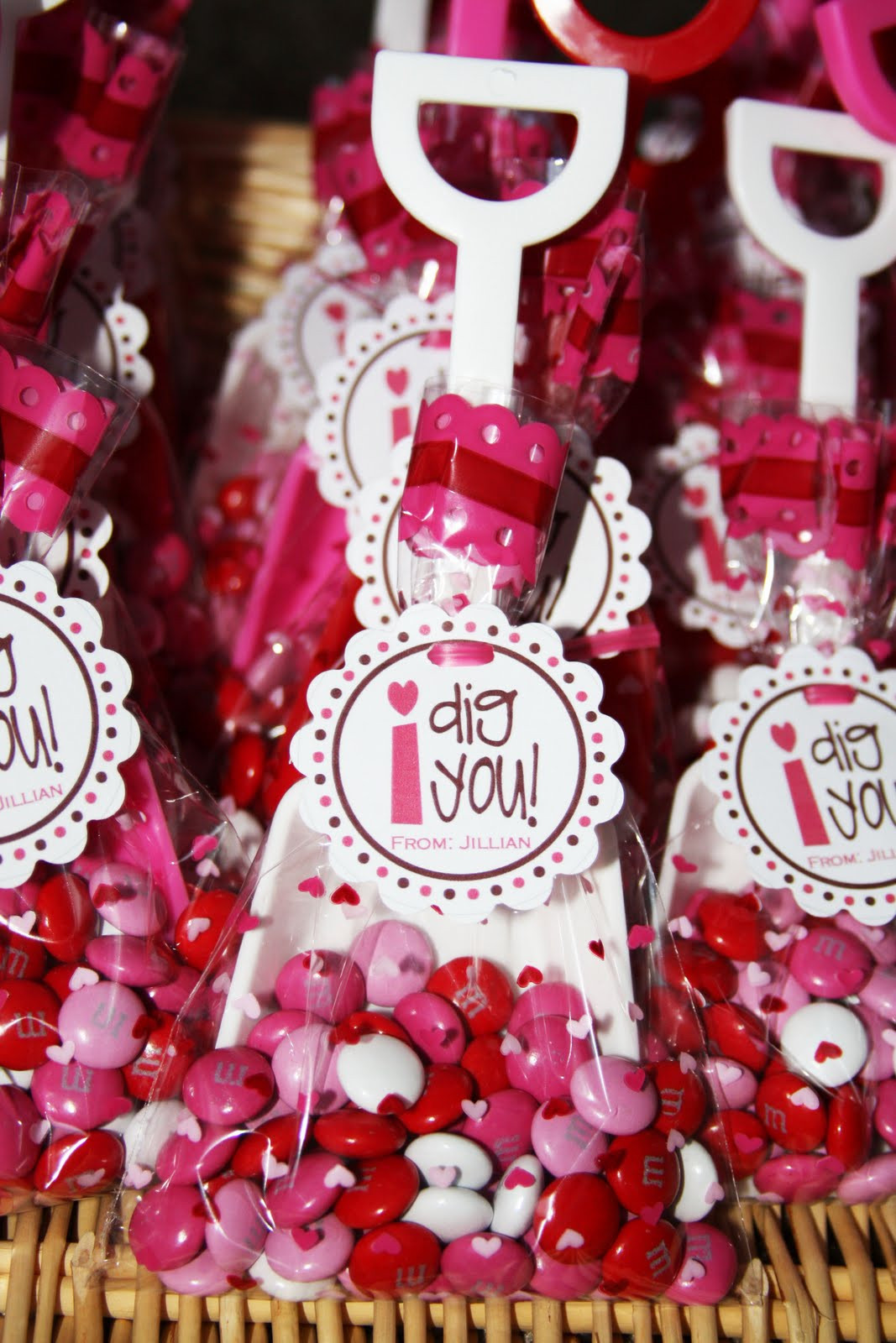 Valentine Gift Ideas For School  Cute Food For Kids Valentine s Day Treat Bag Ideas