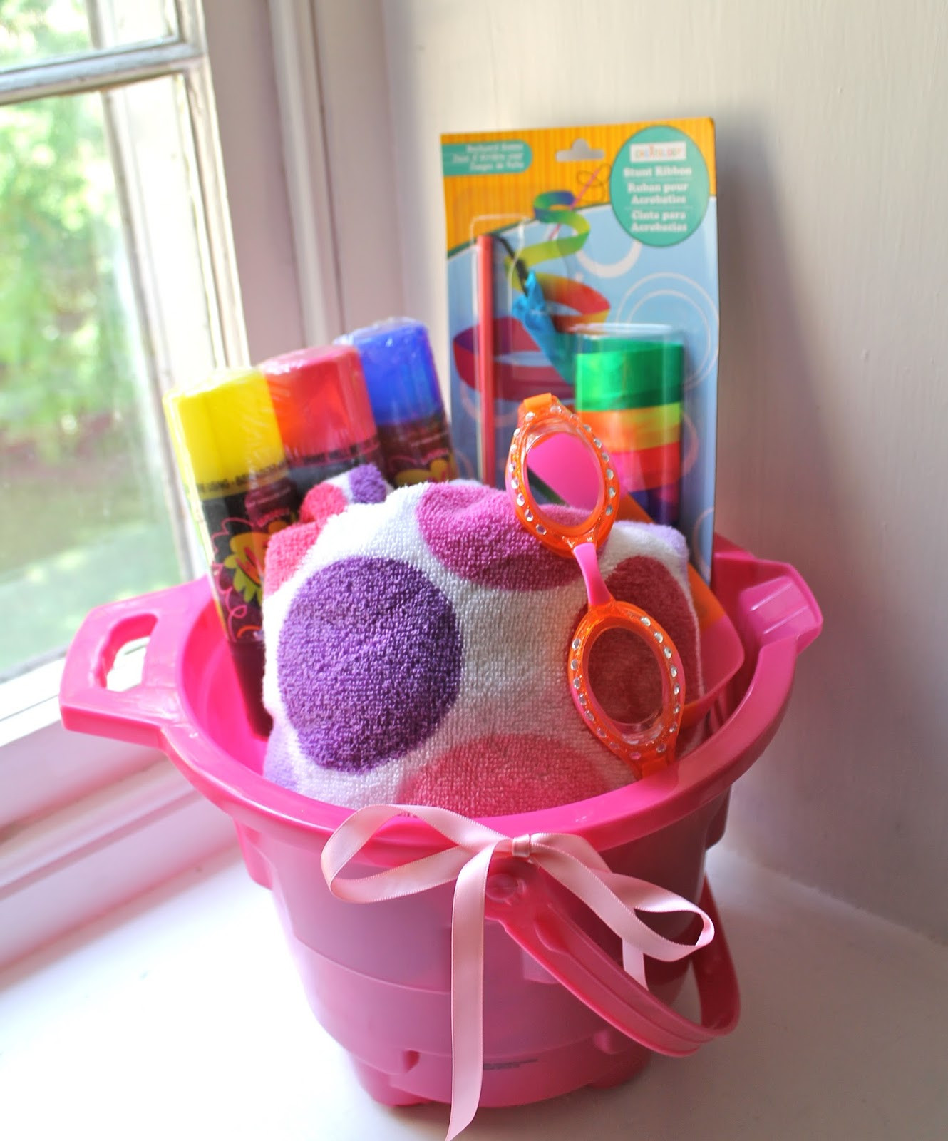 Welcome Gift Basket Ideas  Pretti Mini Blog Wel e Summer with an End of School