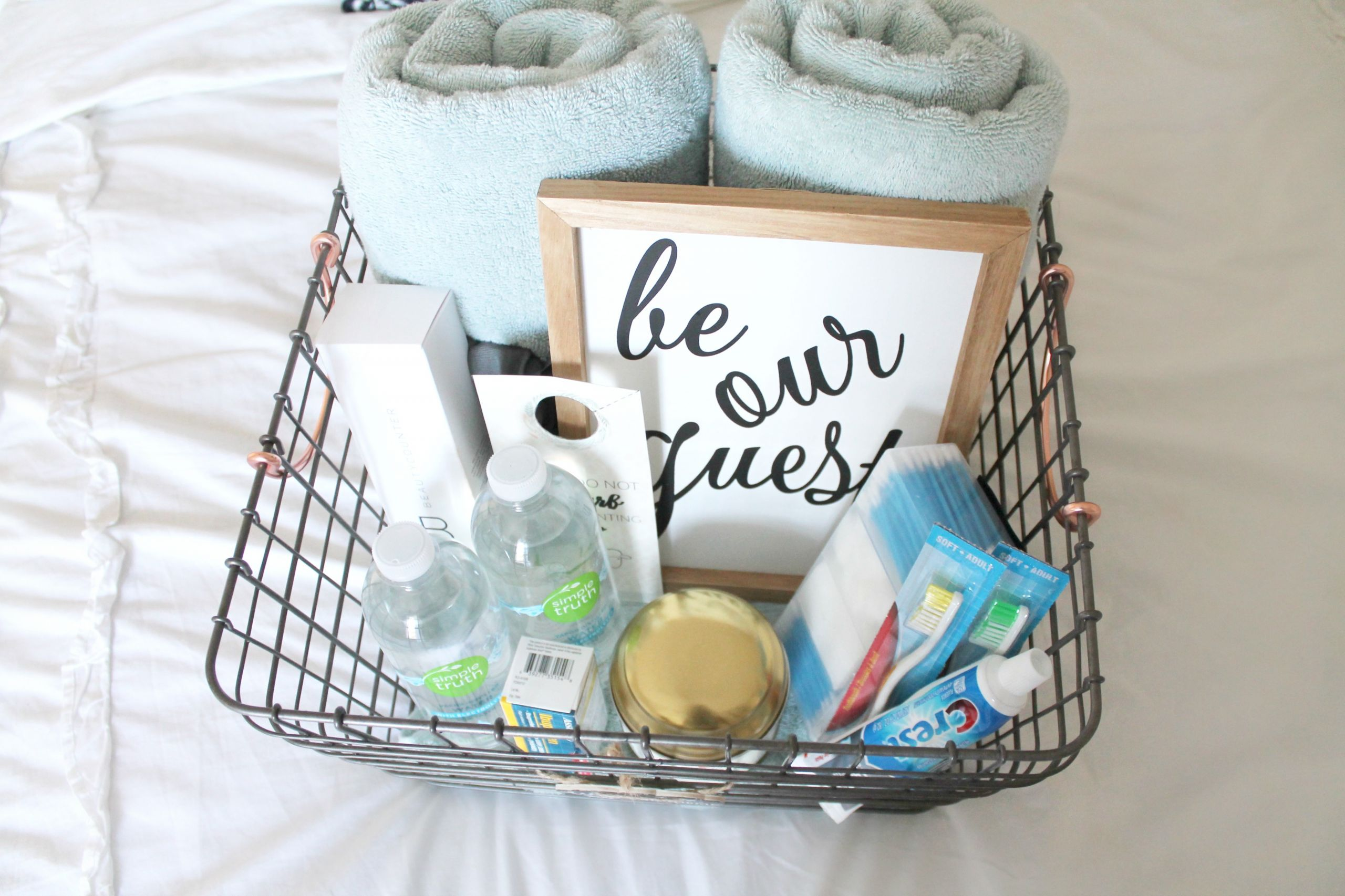 Welcome Gift Basket Ideas  Guest Room Wel e Basket Free Printable Mad