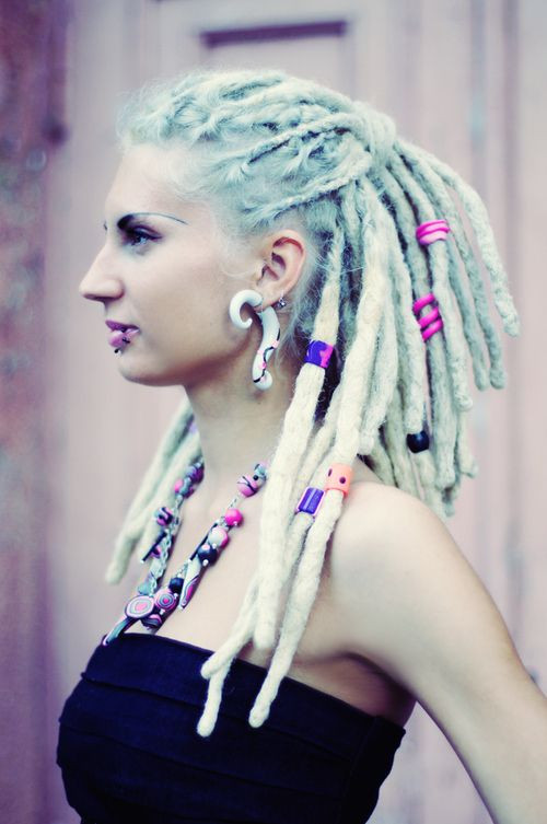 White Girl Dread Hairstyles  47 best White girl dreads and box braids images on