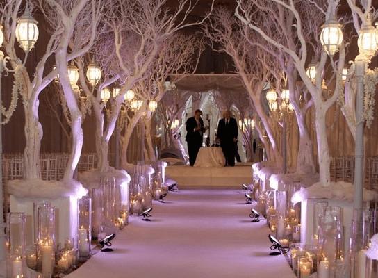 Winter Wedding Ideas Themes  Fresh New Ideas for a Winter Wonderland Wedding Theme